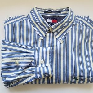 Tommy Hilfinger casual button down. Size Large